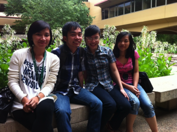 Photo of Tra Vy, Huy, Leanne, Linh