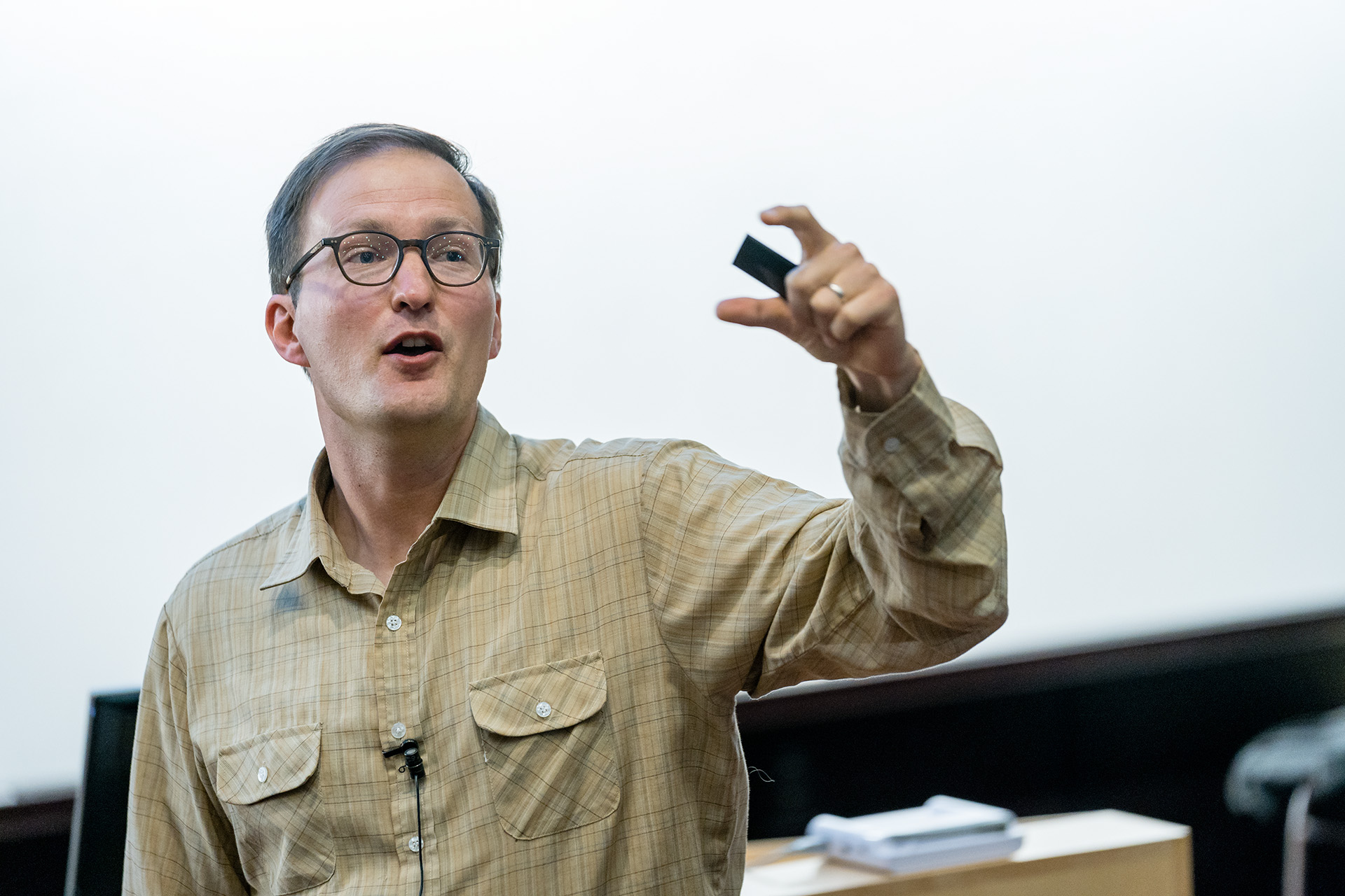 Economics 202, Prof Anders Fremstad in the College of Liberal Arts teaches class, April 30, 2019.